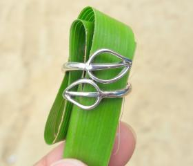 Delicate Leaf Ring, ..