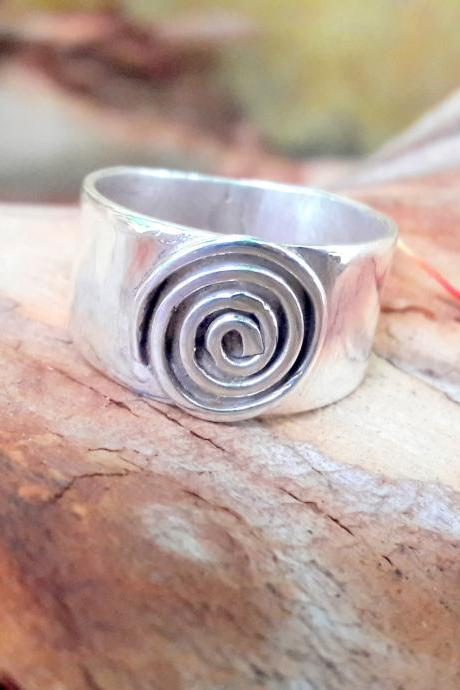 Hypnotize Ring, Band Ring, Magicians Ring, 925 Sterling Silver Ring, Spiral Ring, Wide Band Ring, Silver Band Ring, Yoga Ring, Meditation Ring, Ring For Everyone