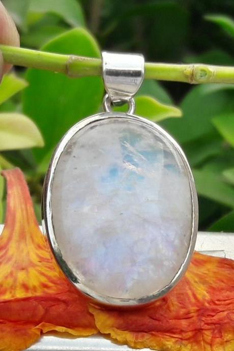 Natural Moonstone Silver Pendant, Blue-Flash Moonstone, Birthstone Jewelry, Oval Moonstone Pendant, Wedding Jewelry, Jewelry For Everyone