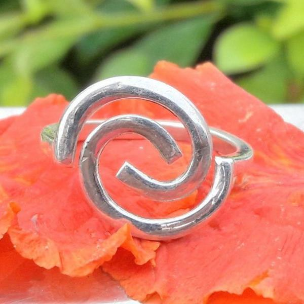 Maze Style Ring, Swing Ring, Spiral Ring, Midi Ring, Handmade Jewelry, Silver Jewelry, Unisex Jewelry, Statement Jewelry, Lovely Ring, Rings